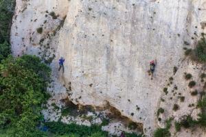Climbers on Champagne Walls, Mġarr ix-Xini